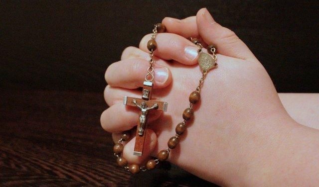 rosary-pixabay-1211064_1280