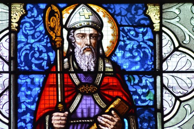 bishop-stained-glass-pixabay-4310586_1280